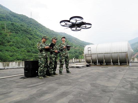 武警部队运用四旋翼无人机抗震救灾电视剧插曲吹北风主题曲图片